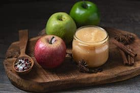 Baked apple puree without added sugar